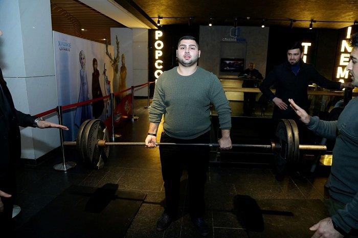 Dünya şöhrətli ağır atletdən bəhs edən film - FOTO + VİDEO, fotoşəkil-8