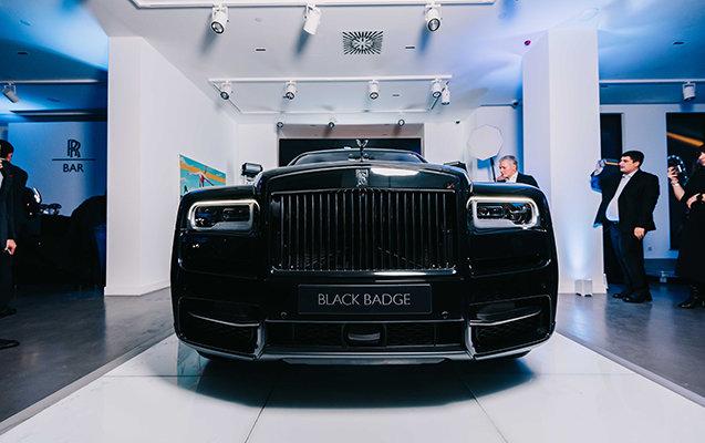 """Bakıya qiyməti yarım milyon manatdan çox olan """"Rolls-Royce"""" gətirildi - FOTO, fotoşəkil-9"""