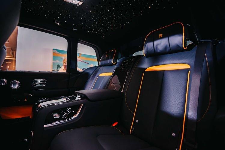 """Bakıya qiyməti yarım milyon manatdan çox olan """"Rolls-Royce"""" gətirildi - FOTO, fotoşəkil-3"""