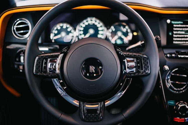 """Bakıya qiyməti yarım milyon manatdan çox olan """"Rolls-Royce"""" gətirildi - FOTO, fotoşəkil-6"""