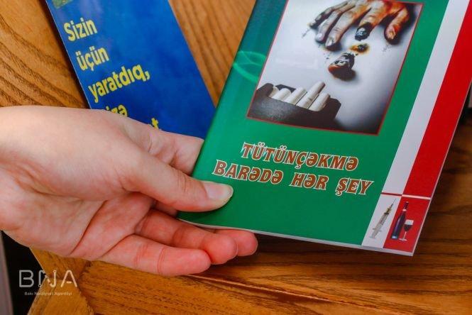 Bakıda avtobus dayanacaqlarına kitablar qoyulub - FOTO, fotoşəkil-6