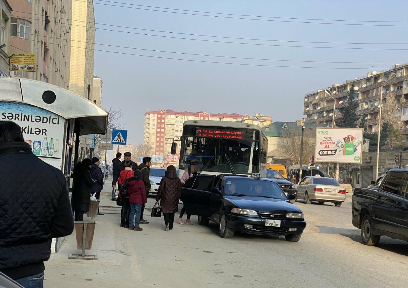"""Tıxac, sıxlıq, təhlükə: """"Manatlıq taksi"""" problemi nə vaxt həll olunacaq? - FOTO + VİDEO, fotoşəkil-1"""