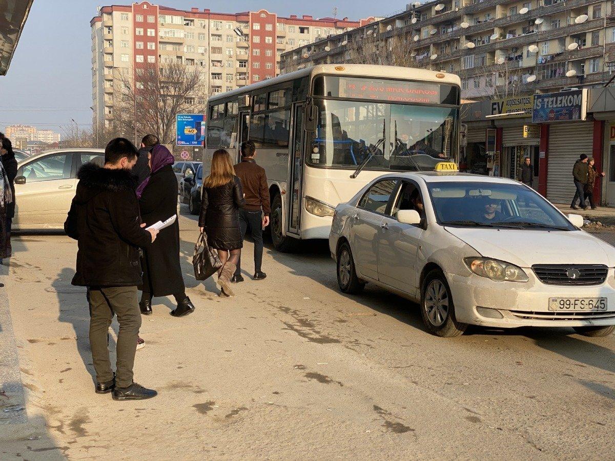 """Tıxac, sıxlıq, təhlükə: """"Manatlıq taksi"""" problemi nə vaxt həll olunacaq? - FOTO + VİDEO, fotoşəkil-2"""
