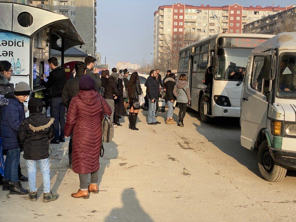 """Tıxac, sıxlıq, təhlükə: """"Manatlıq taksi"""" problemi nə vaxt həll olunacaq? - FOTO + VİDEO, fotoşəkil-3"""