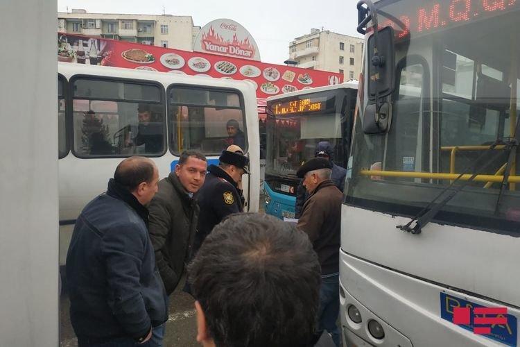 Bakıda iki avtobus toqquşub - FOTO, fotoşəkil-2