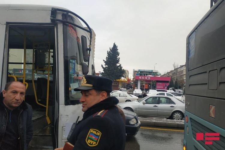 Bakıda iki avtobus toqquşub - FOTO, fotoşəkil-3