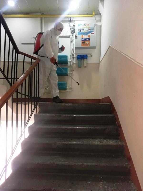 Bakıda yaşayış binaları dezinfeksiya edilir - FOTO, fotoşəkil-3