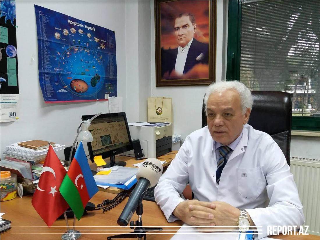 """Türkiyənin azərbaycanlı alimi: """"Koronavirusa qarşı bir neçə vaksin hazırlanıb"""", fotoşəkil-1"""