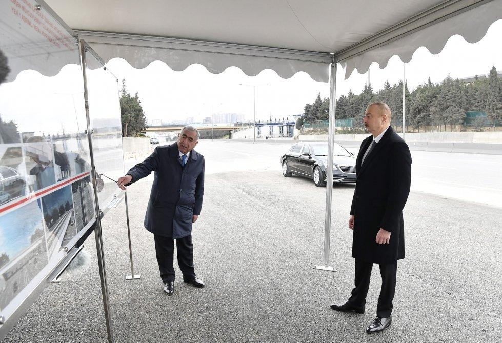 İlham Əliyev Bakı-Sumqayıt yolunun genişləndirilməsi işləri ilə tanış olub - FOTO, fotoşəkil-2