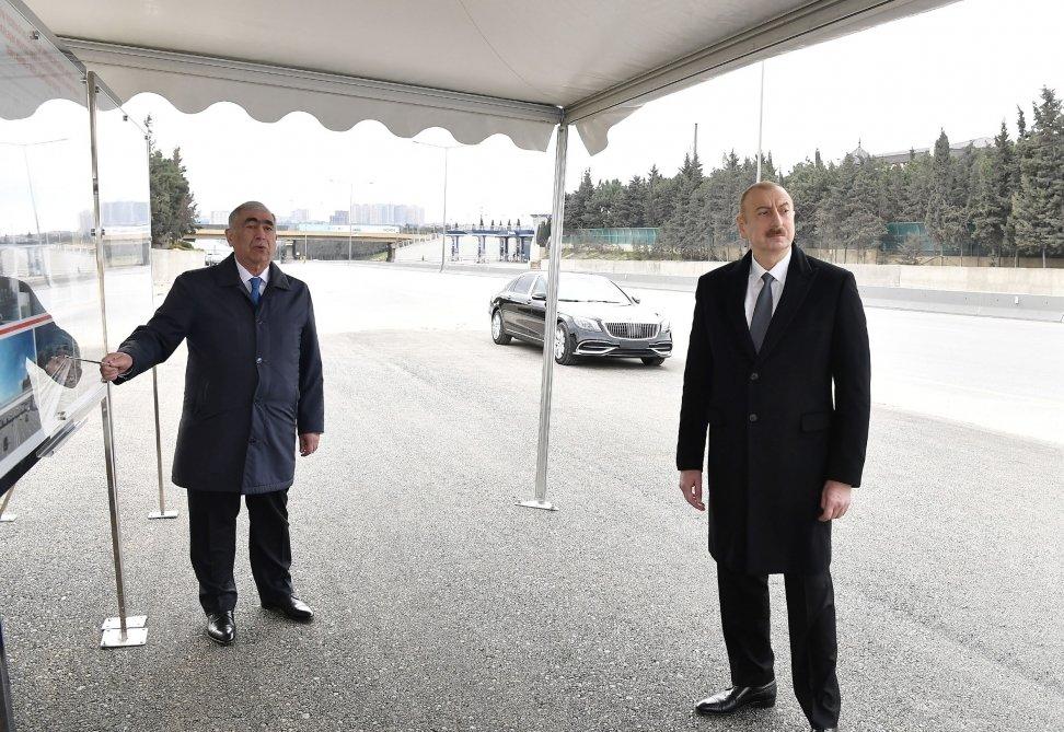İlham Əliyev Bakı-Sumqayıt yolunun genişləndirilməsi işləri ilə tanış olub - FOTO, fotoşəkil-3