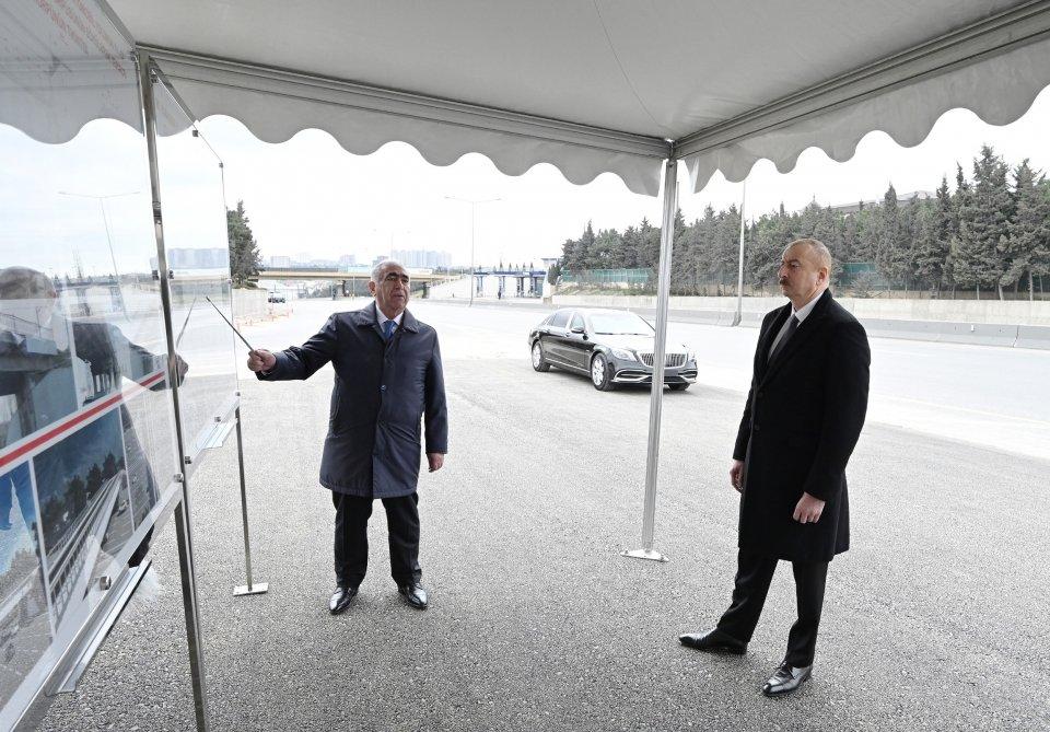 İlham Əliyev Bakı-Sumqayıt yolunun genişləndirilməsi işləri ilə tanış olub - FOTO, fotoşəkil-4