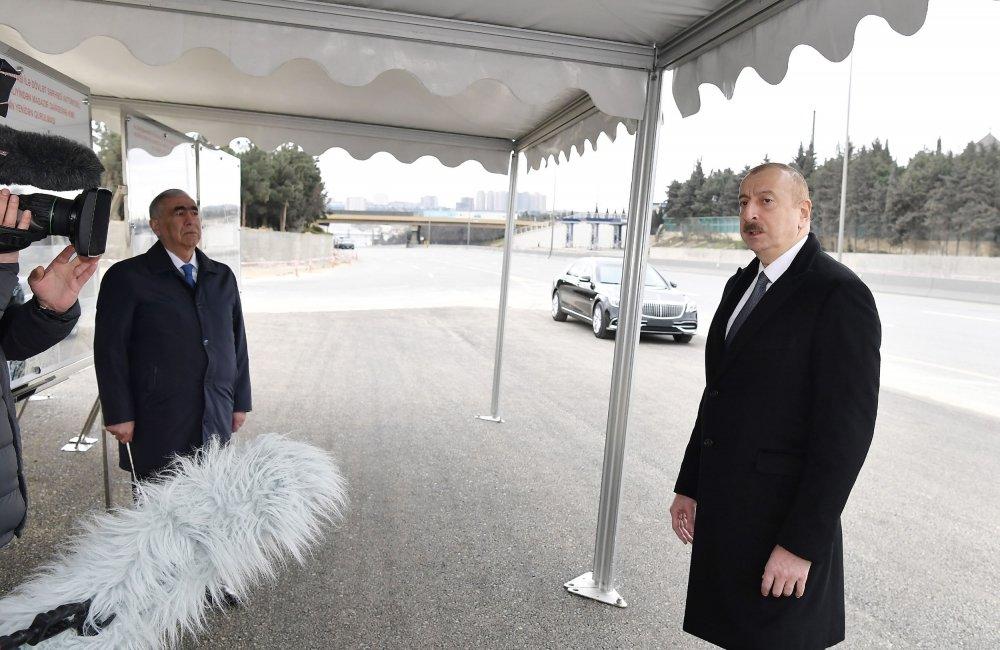 İlham Əliyev Bakı-Sumqayıt yolunun genişləndirilməsi işləri ilə tanış olub - FOTO, fotoşəkil-6