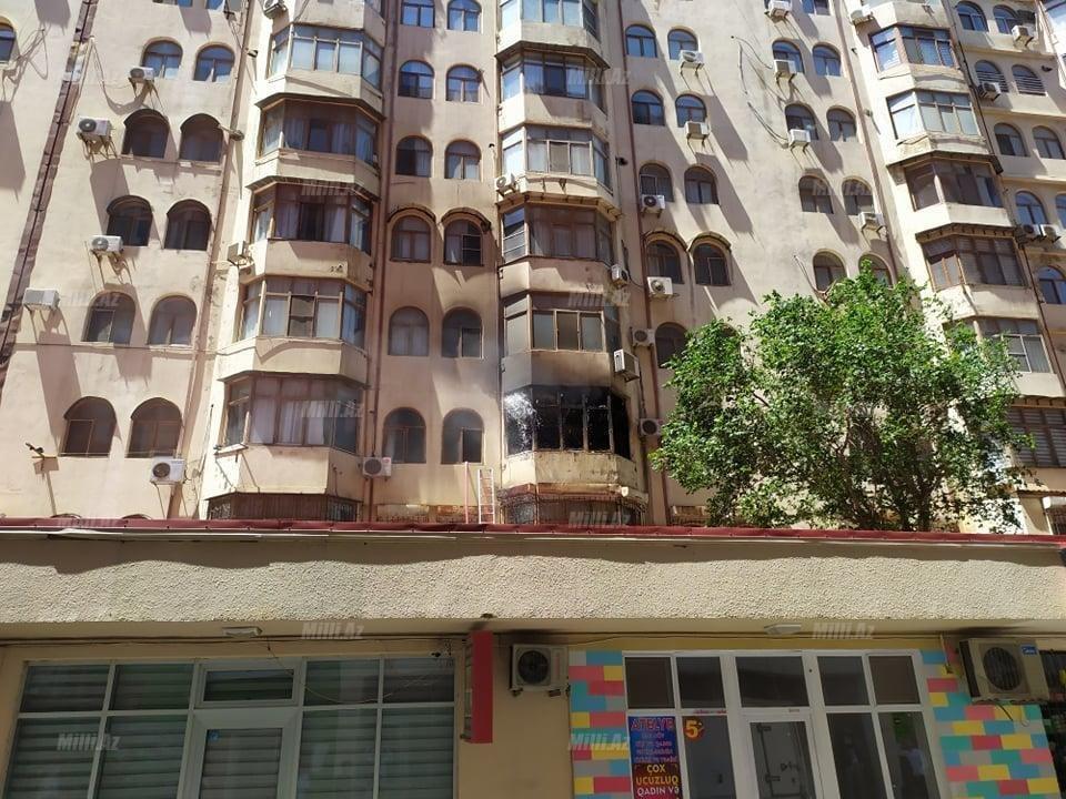 Bakıda tanınmış həkimin evi yanır - VİDEO / FOTO, fotoşəkil-2