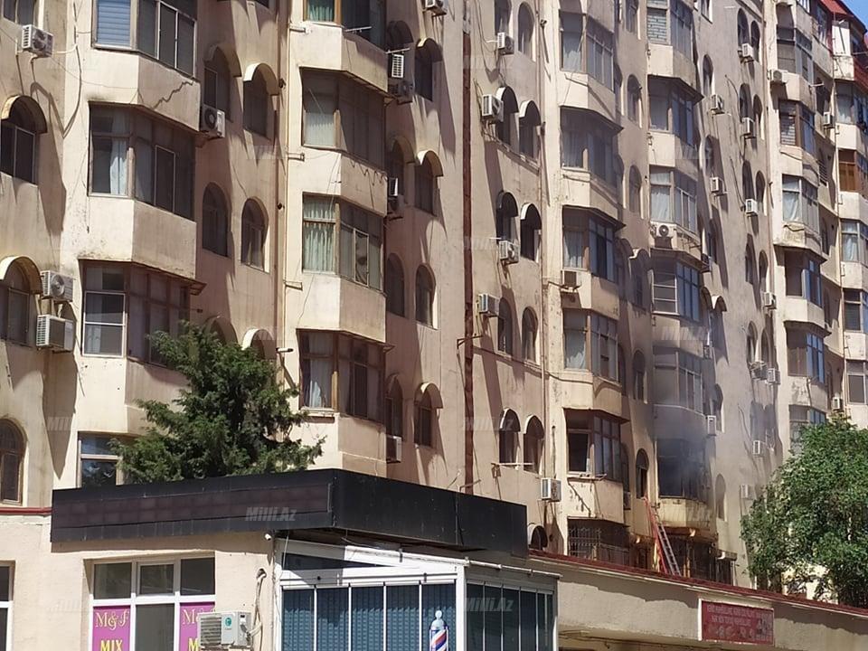 Bakıda tanınmış həkimin evi yanır - VİDEO / FOTO, fotoşəkil-5