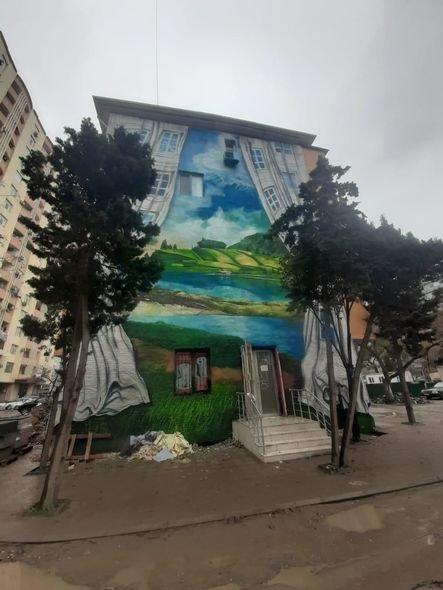 Bakıda boz binalar qraffiti ilə bəzəndi - FOTO, fotoşəkil-1