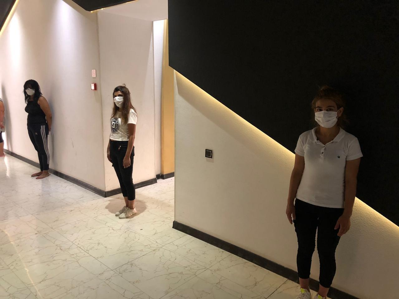 Bakıda karantini pozan kafe icarədarı və 8 nəfər saxlanıldı - FOTO, fotoşəkil-5