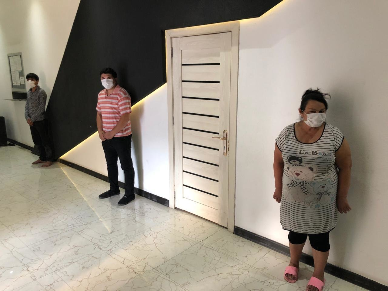 Bakıda karantini pozan kafe icarədarı və 8 nəfər saxlanıldı - FOTO, fotoşəkil-3