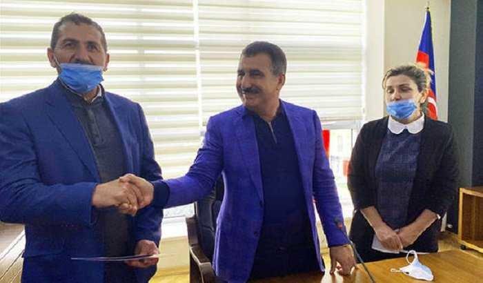 Suqovuşanda Azərbaycan bayrağını qaldıran hərbçiyə ev verildi - FOTO, fotoşəkil-3