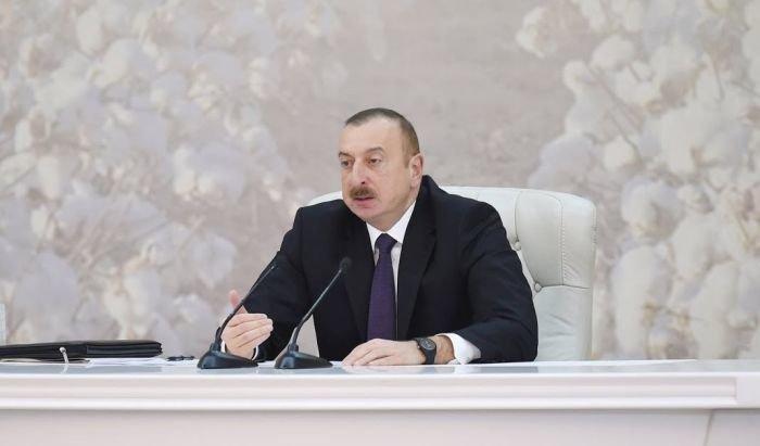 Prezident İlham Əliyev nazir və icra başçılarını topladı