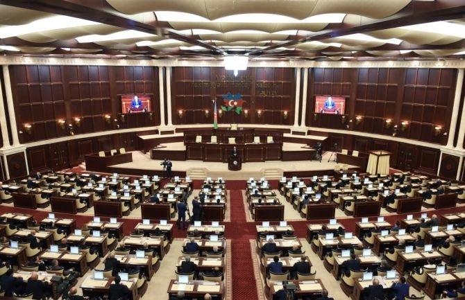 125 yerə qarşı 1279 nəfərin deputatlığa namizədliyi qeydə alınıb - Proses davam edir